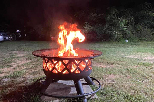 Picnic Tables and Fire Pits Icon